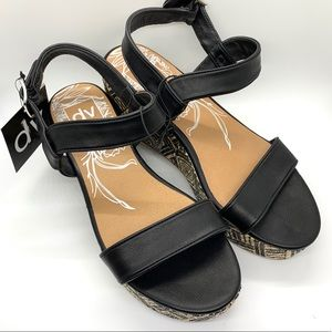 DV | Funky Wedge Sandals